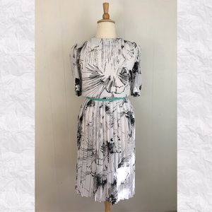 Vintage Floral Short Sleeve Pleated A-Line Dress